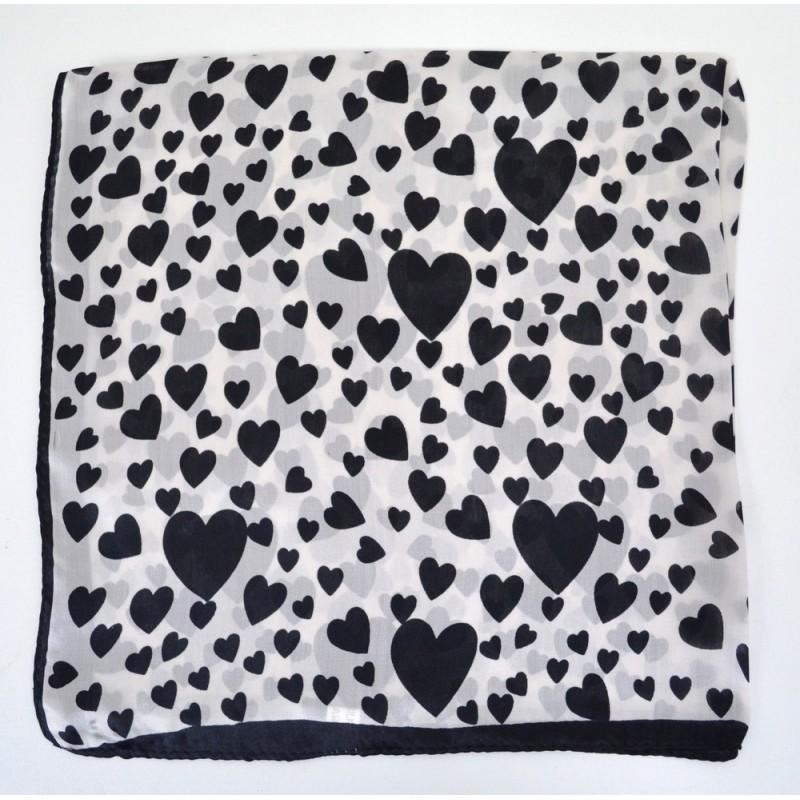 Foulard carré en soie noir à coeurs