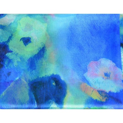 Etole en soie bleue fleurs fondues