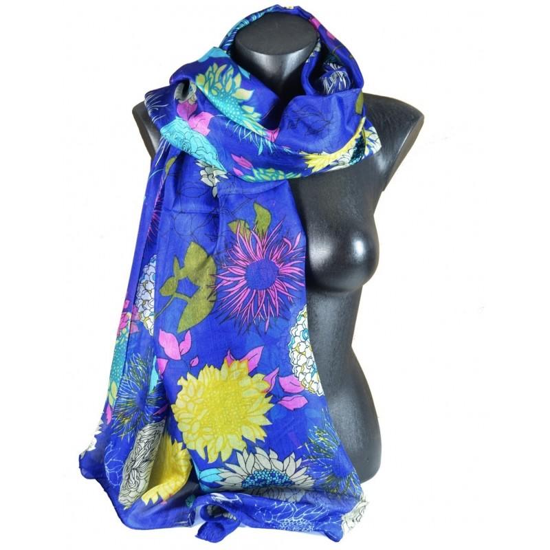 Etole en soie bleue à fleurs
