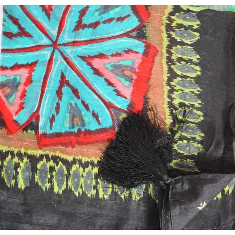 Foulard carré 100 cm ethnic à pompons